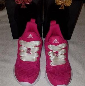 Adidas AltaRun Sneakers